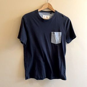 Penguin t-shirt with pocket SIZE M